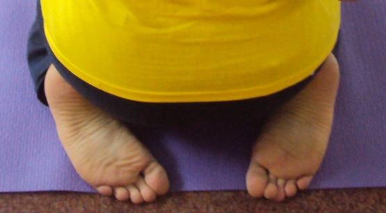 picioare vajrasana.JPG